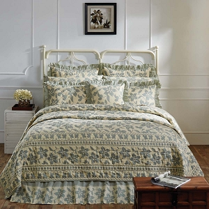 Quilts, Quilt Sets, Coverlets